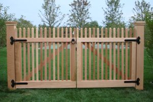 Wood & AZEK Gates #13